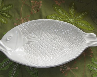 Popular items for fish plates on etsy for Fish shaped plates