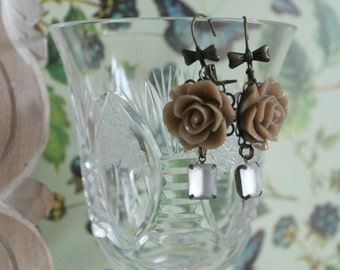 Pendants with Hazel resin roses and Milky opaque crystals