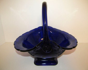 TIARA Indiana Glass Large COBALT Blue Daisy Diane Pattern Vintage Glass BASKET