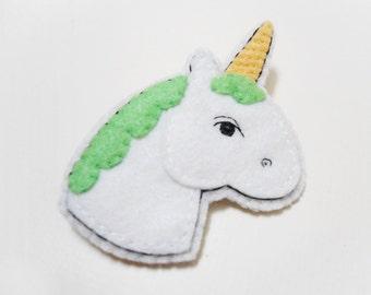 Unicorn felt brooch green