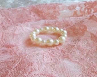 BABY PEARL BRACELET,  ivory pearl bracelet, baby, baby photo prop, baby prop, newborn prop,  photography prop
