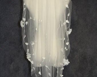 2T ivory white bridal veil, handmade flower comb veil