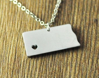 I heart North Dakota Necklace -  State Charm - Map necklace - Map Jewelry - North Dakota Pendant - North Dakota State Necklace