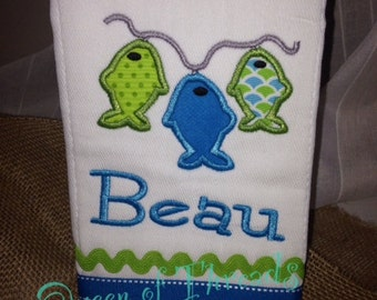 Personalized Baby Boy Birp cloth, Fish Applique Burp Cloth, Baby boy, burp cloths, personalized burp cloth, Shower gift