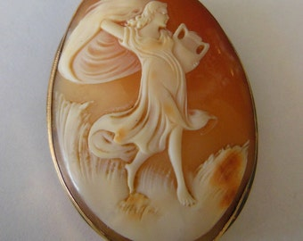 Vintage Cameo 18K Solid Gold Pin/Brooch Pendant 11g