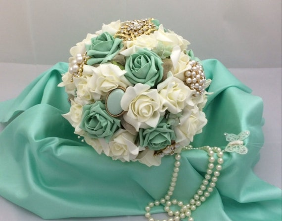 Wedding bouquet shabby chic brooch and by lovefromlilywedding for Bouquet chic