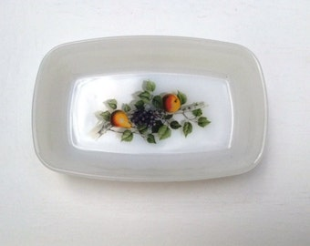 Vintage 1970s Arcopal small rectangular dish with fruit decor 18cm