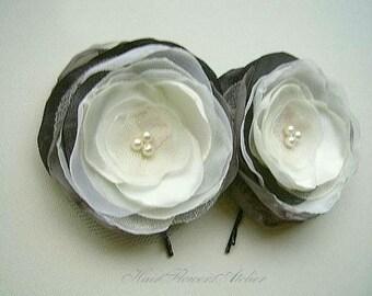 Grey Ivory Hair Pins Dark Gray Hair Clips Ivory Hair Clips Graphite Bridal Flowers Grey Ivory Wedding Hair Accessories - Set of 2