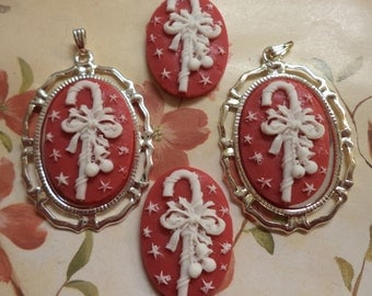 25mm x 18mm oval vertical candy cane cabochons cameos white on red 4 pc lot