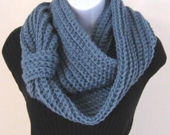 Crochet Infinity Scarf - Blue Circle scarf, Eternity Scarf, Chunky scarf