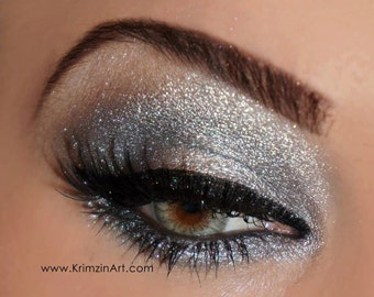 Duochrome Shimmer Eyeshadow: Arctic. A silvery gray black dupe high quality mineral vegan