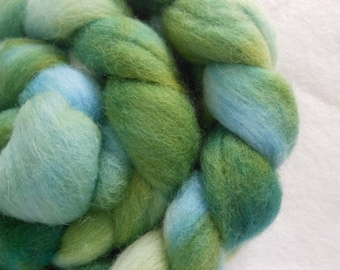 Hand Dyed 100% Domestic Wool Roving 4oz: Sound