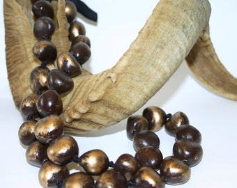 VintagWooden Bead Bauble Hand-Strung and Knotted Necklace