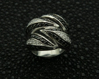 Ladies, 925, sterling,silver,ring,hand,set,stones,white, round ,cut,&,black cz ,rhodium,plated,plus,  jewelry,gift ,box.,