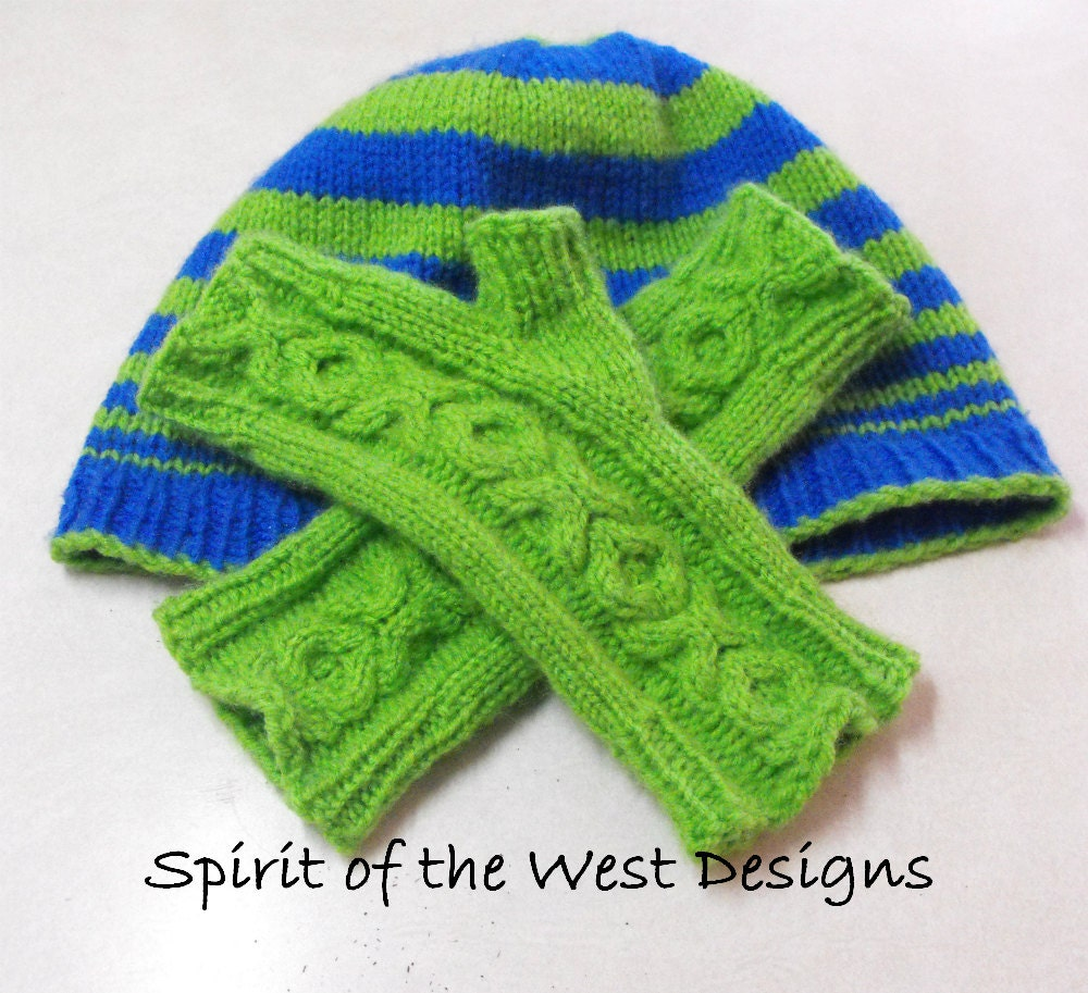 Knitting Pattern For Texting Mittens : Knit XOX Fingerless Gloves Pattern Mitts Mittens Texting