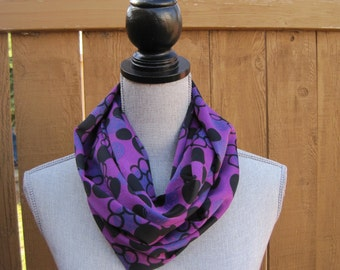 Fabric scarf,  Infinity scarf, tube scarf, eternity scarf, loop scarf, long fabric scarf, cowl scarf  in purple fabric