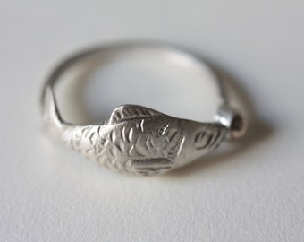 """Ring """"Minnow"""" handmade in Silver 925 with """"bubble"""" in bronze. Handmade 925 sterling silver ring """"Fish"""" with """"bubble"""" in bronze."""