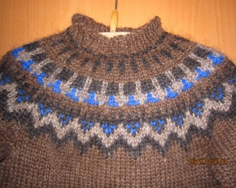 On Sale, 50% off !! Traditional Icelandic sweater for 4 years old, hand knitted out of pure Icelandic lambs wool