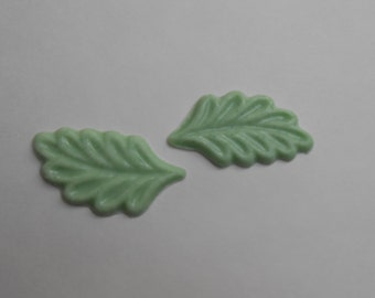 Flavored White Chocolate Leaves