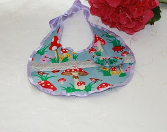 Bibs in Vintagelook, playful and sweet