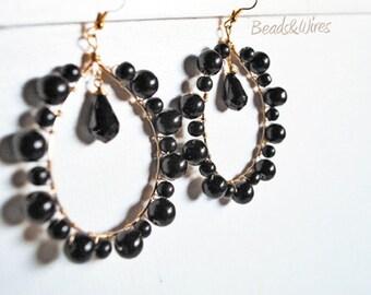 Hoop earrings black pearls