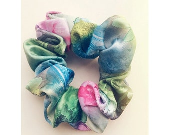 Bright Graphic Flower Pattern Hair Scrunchie
