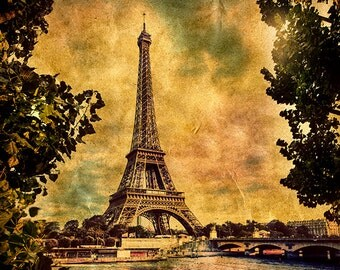 France - Paris - Eiffel Tower, vintage retro style - SKU 0078
