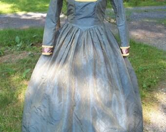 Womens's Colonial Dress Custom Costume