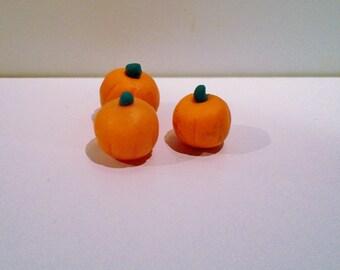Miniature Dollhouse Small pumpkins