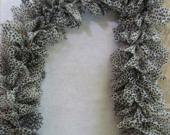 scarf , 100% poléster   fauve, black,