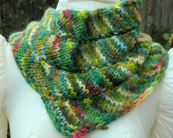 Hand knit, Cowl, Hand painted, Greens, Alpaca, Bias knit, Hypoallergenic