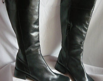 Vintage Leather Knee  Boots size 6 M  Eur 36 UK 3 .5 SAMPLE  ITALY StovePipe Black Flat Pirate Slouch Riding