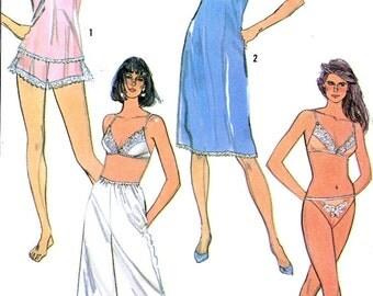 80s womens lingerie bra slip camisole panties bikini panties culotte slip vintage sewing pattern Simplicity 7672 Sz 10 Uncut