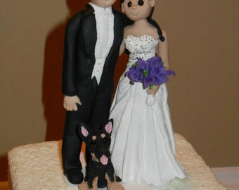 Bride and Groom with Pet Wedding Cake topper,Custom wedding cake topper, personalized cake topper, Mr and Mrs cake topper