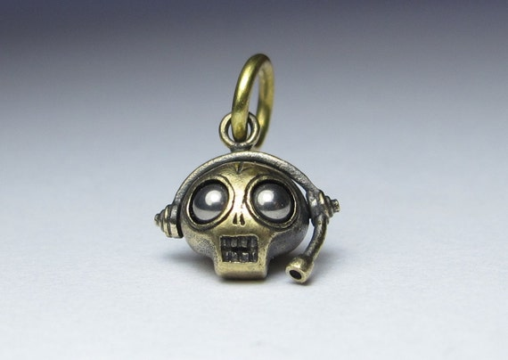 skull pendant MICROPHONE FIEND bronze with antique finish long ball chain