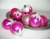 vintage shiny brite ornaments - pink snow cap glass Christmas balls - white sparkly mica glitter tops - shabby cottage chic set of 10