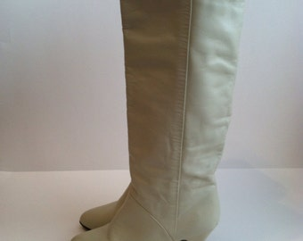 Vintage White Leather Boots / White Tall Boots / High Heels Boots / size 6.5 7