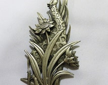 Jonette Jewelry pin/brooch of giraffe eating a flower, from the late 70's early 80's vintage