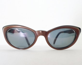 Vintage 60s Winged Brown Cat Eye Glasses Frame / USA Eyeglasses Sunglasses/ Batwing Winged Rockabilly on SALE