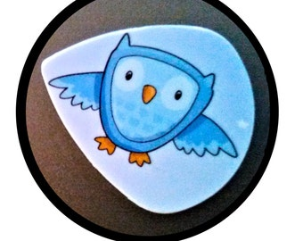 Limited Edition Owl-Guitar Pick-Upcycled Gift Card-Med Guitar Pick