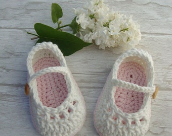 Baby booties mary jane, crochet shoes ivory and pastel pink, cotton babygirl  slippers 0/3 months ready to ship with gift box