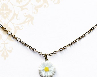 Hippie Chic Daisy Necklace - Bohemian Style Jewelry by Liz Hutnick, Flower Necklace, Peace and Love