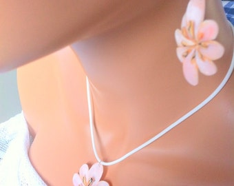 Conch shell pendant necklace and earrings set sterling silver peach flowers cruise coral tropical island beachy summer jewelry