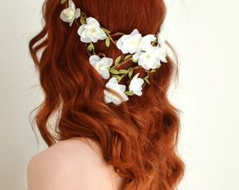 White flower crown, boho bridal hair, woodland wedding head piece, floral hair wreath, floral crown, bridal hair accessory - Pandora