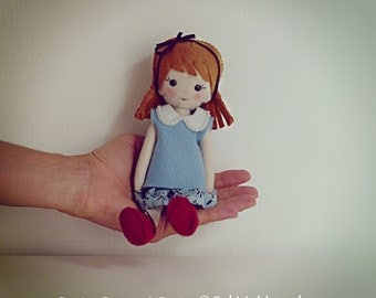 Doll Felt Pattern - Vintage girl Sewing Pattern Pdf - felt miniature hand sewn PHOTO TUTORIAL - Instant DOWNLOAD