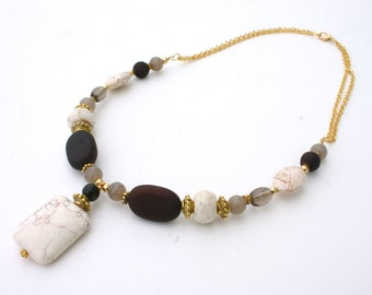 Summer White and  Brown Pendant Necklace