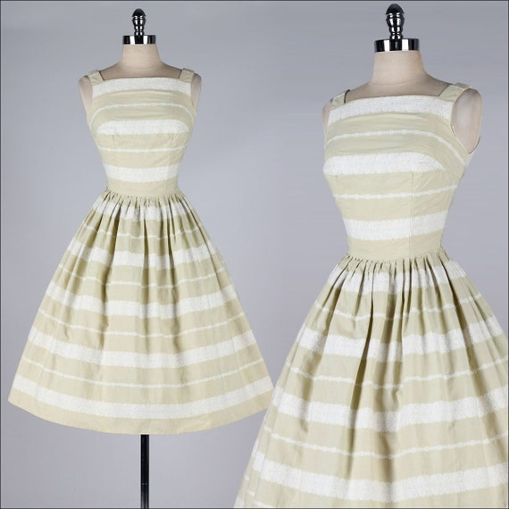 Vintage Wedding Dresses Miami: Vintage 1950s Dress . COVER GIRL Miami . Natural Brushed