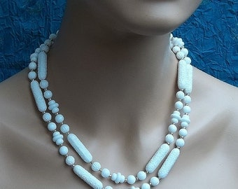 Vintage bead necklace Sarah Coventry necklace African necklace safari tribal style in faux ivory (AA)