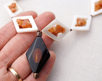 Geometric Diamond Shape Necklace Black Orange Agate Pendant White Mother of Pearl Frames Aventurine Gemstone Beaded Necklace jewelry trend
