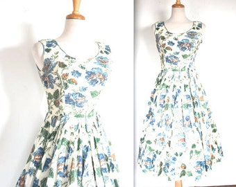 SALE / Vintage 1950's Dress // 50s Blue Rose Print Day Dress // 50s Garden Tea Party // DIVINE